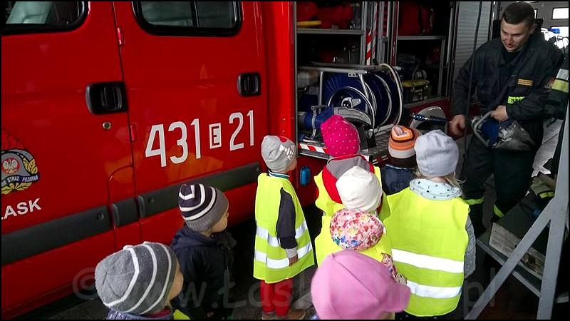 Przedszkolaki z Ptysia w straży pożarnej