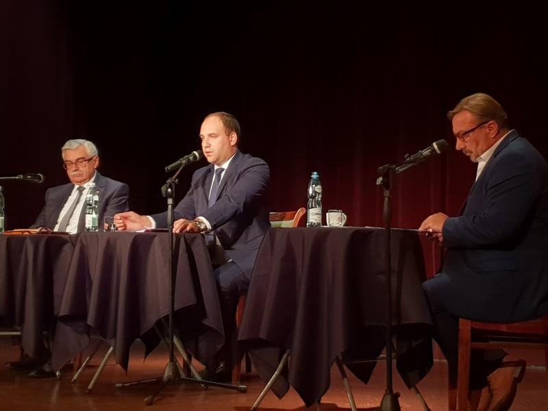 Debata wyborcza Szkudlarek vs. Wołosz