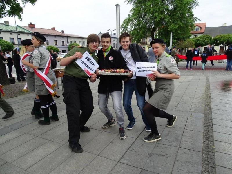 Hufiec ZHP Łask na Dniu Flagi RP